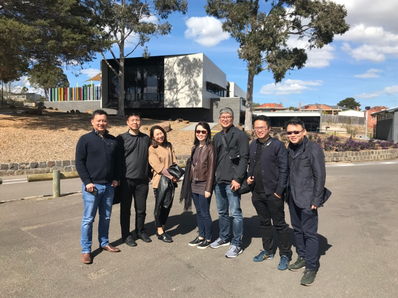 Ko Shiou Kee (first on the right) together with Directors, Ben Tang and David Lee and other staff from K2LD Architects.