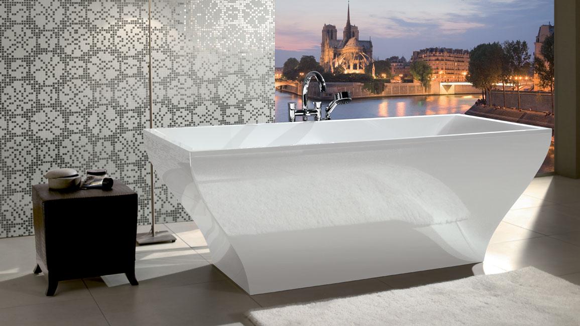The La Belle bath